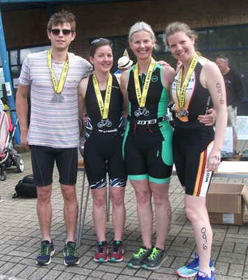 Mid Sussex Tri Members Dan Anniston, Lucy Rowe, Sally Gardner & Hannah Droscher.jpg